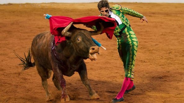 888976-spain-bullfighters-return